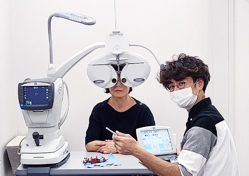 視力測定の様子
